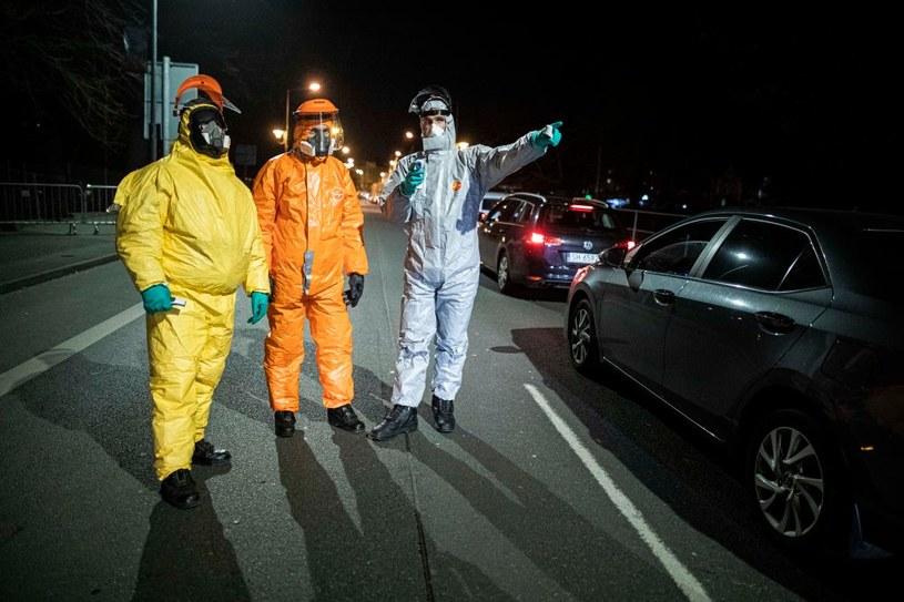 Od początku epidemii wirusem SARS-CoV-2 w Czechach zakaziło się blisko 392 tys. osób /Florian Gaertner/Photothek  /Getty Images