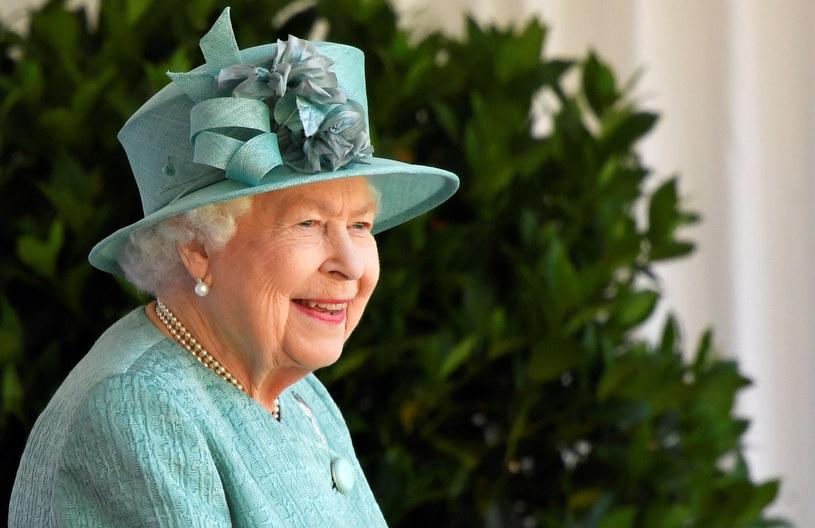 Od połowy marca królowa wraz z mężem przebywa na zamku w Windsorze /Toby Melville/Press Association/East News /East News