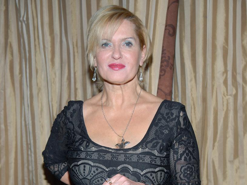 Od ponad dwudziestu lat jest szczęśliwą mężatką  /Marek Ulatowski /MWMedia