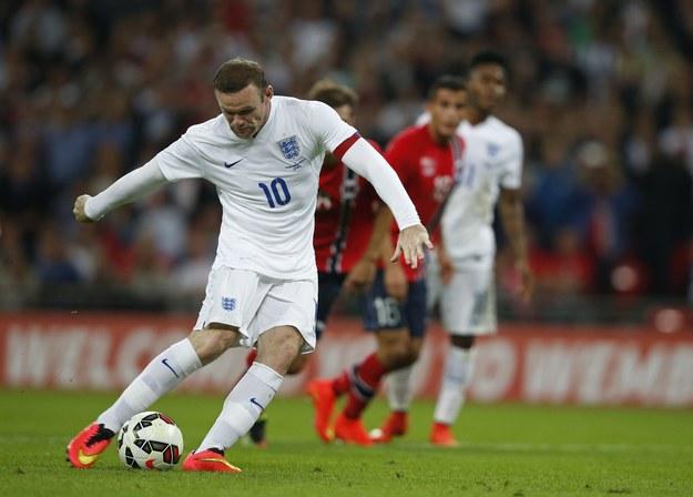 Od popisów Rooneya i spółki, Anglicy woleli program o gotowaniu /AFP