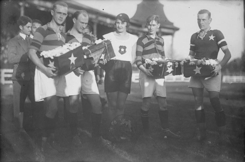 Od prawej: Henryk Reyman, jego młodszy bar Jan i Jadwiga Gablanowska-Ciepły w październiku 1927 r. Fot. Narodowe Archiwum Cyfrowe /