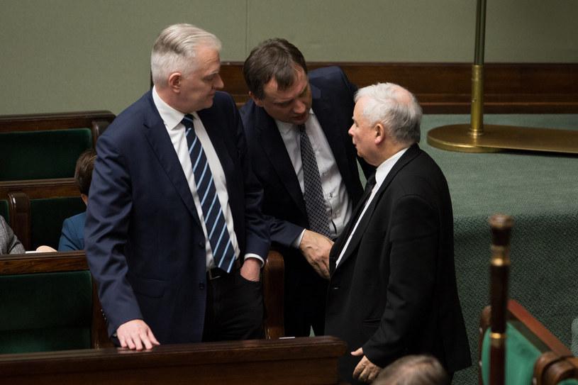 Od prawej: Jarosław Kaczyński, Zbigniew Ziobro i Jarosław Gowin /Mateusz Wlodarczyk /Agencja FORUM
