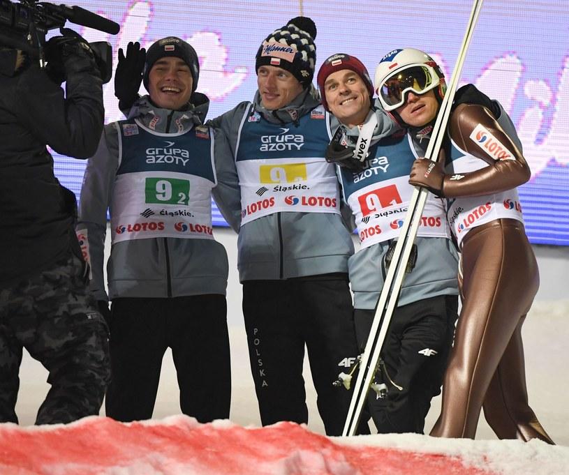 Od prawej: Kamil Stoch, Piotr Żyła, Dawid Kubacki i Jakub Wolny /AFP