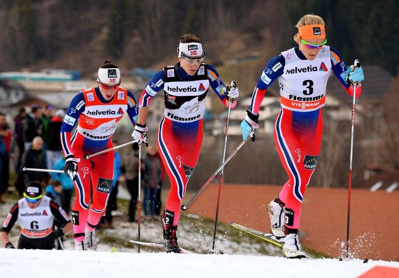 Od prawej: Therese Johaug, Heidi Weng i Marit Bjoergen /AFP