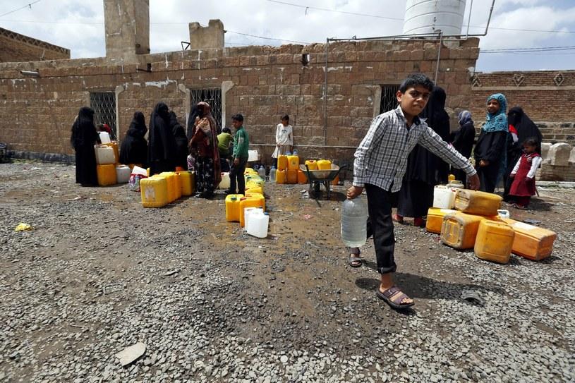 Od rozpoczęcia nalotów w Jemenie przed kilkoma miesiącami w kraju zginęło co najmniej 646 cywilów /YAHYA ARHAB /PAP/EPA
