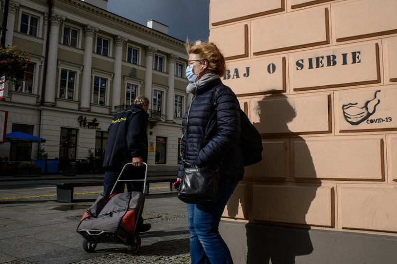 Od soboty, 24 października, cała Polska będzie czerwoną strefą /Zbyszek Kaczmarek /Reporter