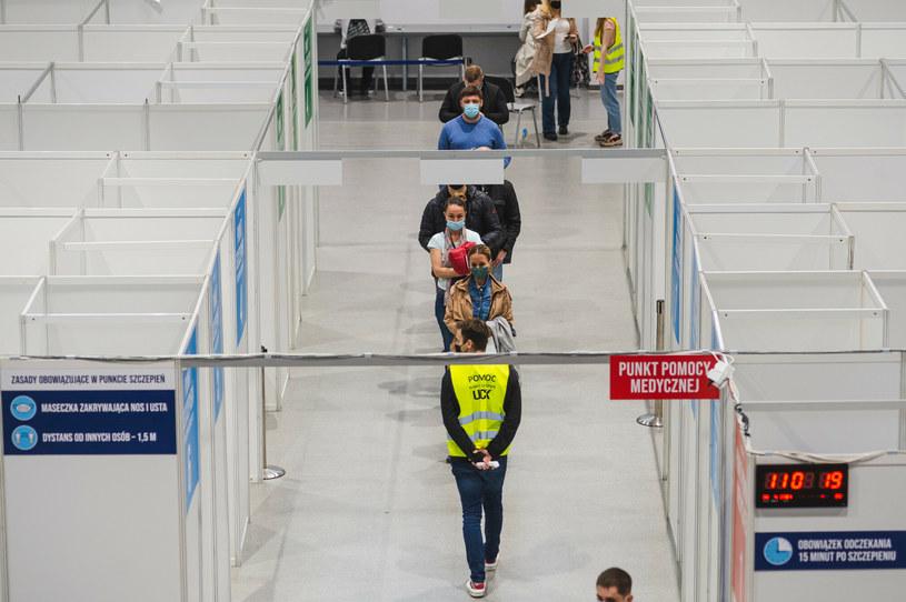 Od środy zawieszony jest punkt szczepień w Centrum Sportu GUMed w Gdańsku /Karol Makurat/REPORTER /East News