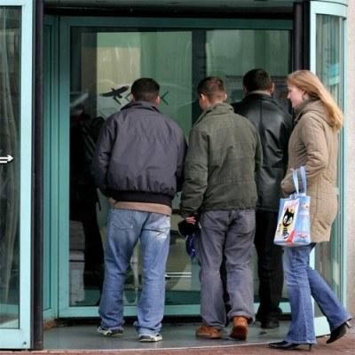 Od stycznia do grudnia ubiegłego roku zwolniono 11 tys. 478 pracowników /AFP