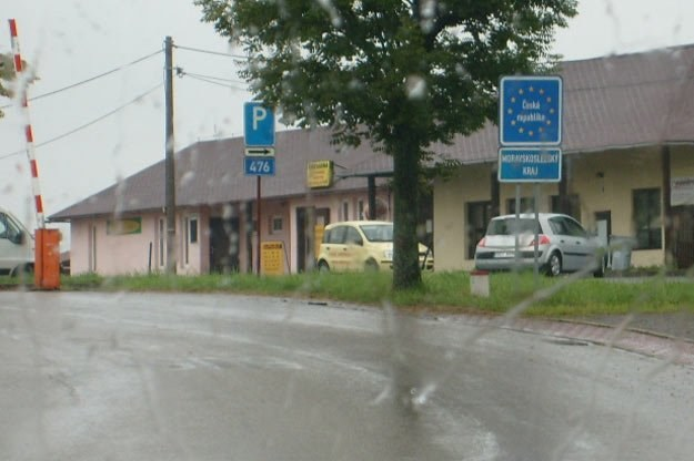 Od tamtej pory nadrabiam ok. 200 kilometrów i jeżdżę naszą A4 przez Niemcy /INTERIA.PL