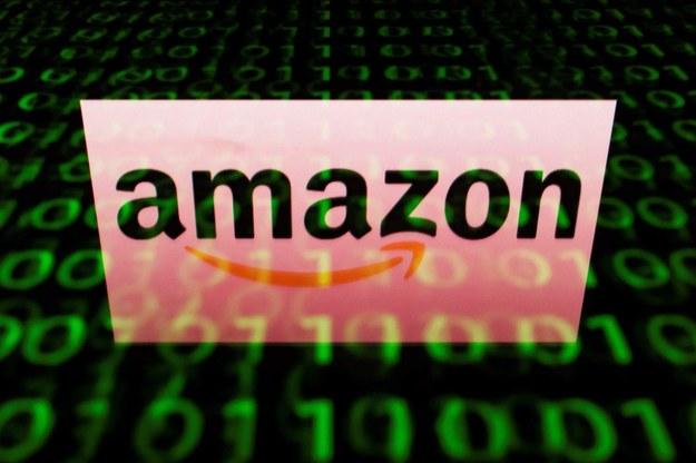 Od września firma Amazon podwyższy wynagrodzenie pracownikom nawet o 16,7 proc. /AFP