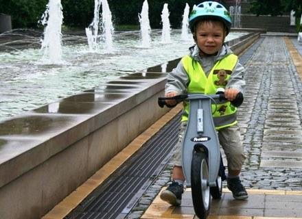 Odblaskowe kamizelki powodują, że dziecko jest dobrze widoczne /materiały prasowe