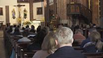 Odchodzą z Kościoła Katolickiego. W Polsce coraz więcej wniosków o apostazję