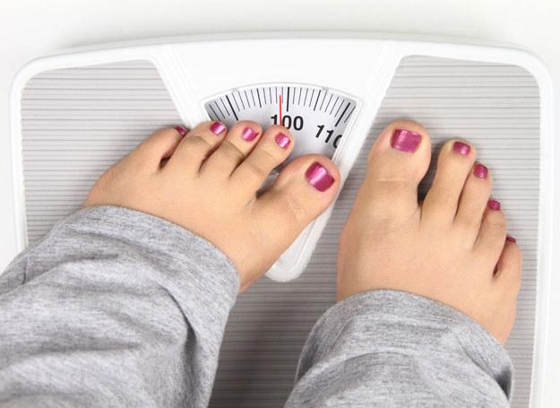 Odchudzanie warto rozpocząć pod kontrolą dietetyka /123RF/PICSEL