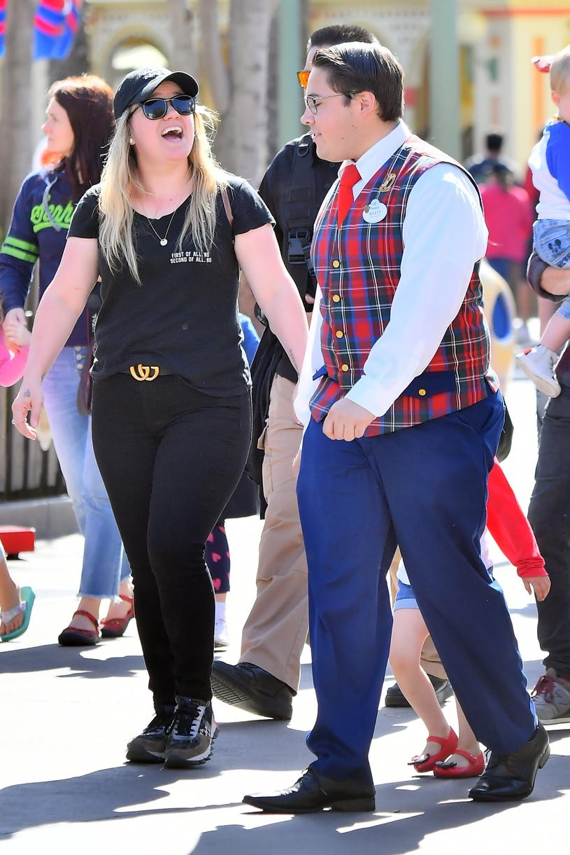 Odchudzona Kelly Clarkson - najnowsze zdjęcia /East News