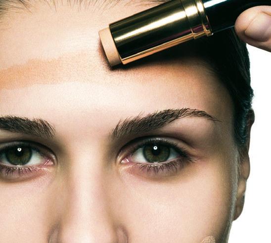 Odcień powinien idealnie stapiać się z naturalnym kolorem skóry /materiały prasowe