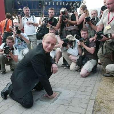 Odciśnięta w Miedzyzdrojach dłoń Piotra Adamczyka także powędruje do Gdańska - fot. Bogdan Hrywniak /Agencja SE/East News