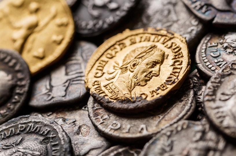 """""""Oddajcie Cezarowi to, co należy do Cezara"""" (na zdj. rzymskie denary; zdj. ilustracyjne) /123RF/PICSEL"""