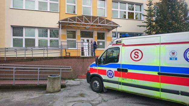 Oddział Chorób Zakaźnych Szpitala Uniwersyteckiego w Zielonej Górze, w którym przebywa pacjent, u którego potwierdzono zarażenie koronawirusem / Lech Muszyński    /PAP