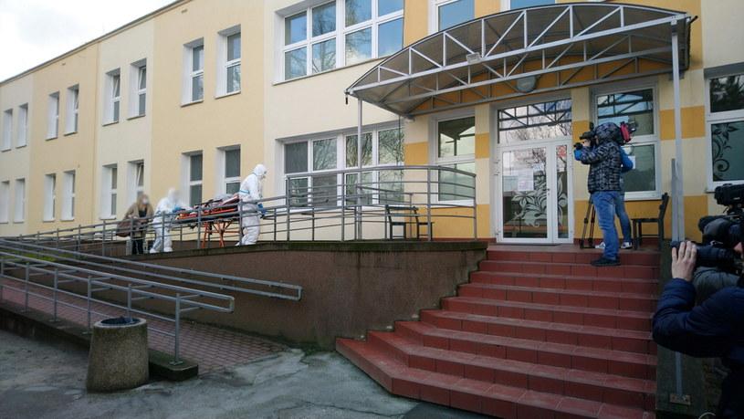 Oddział Chorób Zakaźnych Szpitala Uniwersyteckiego w Zielonej Górze, na którym przebywa pacjent, u którego potwierdzono zarażenie koronawirusem / Lech Muszyński    /PAP