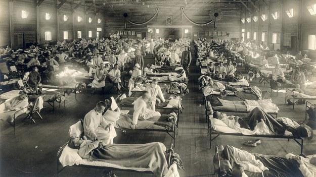 Oddział pierwszej pomocy w szpitalu wojskowym w Fort Riley (stan Kansas, USA, 1918) /Picture-alliance/National Museum of Health and Medicine /