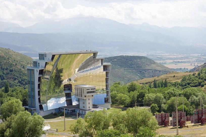 Odeillo i największy na świecie piec solarny /East News