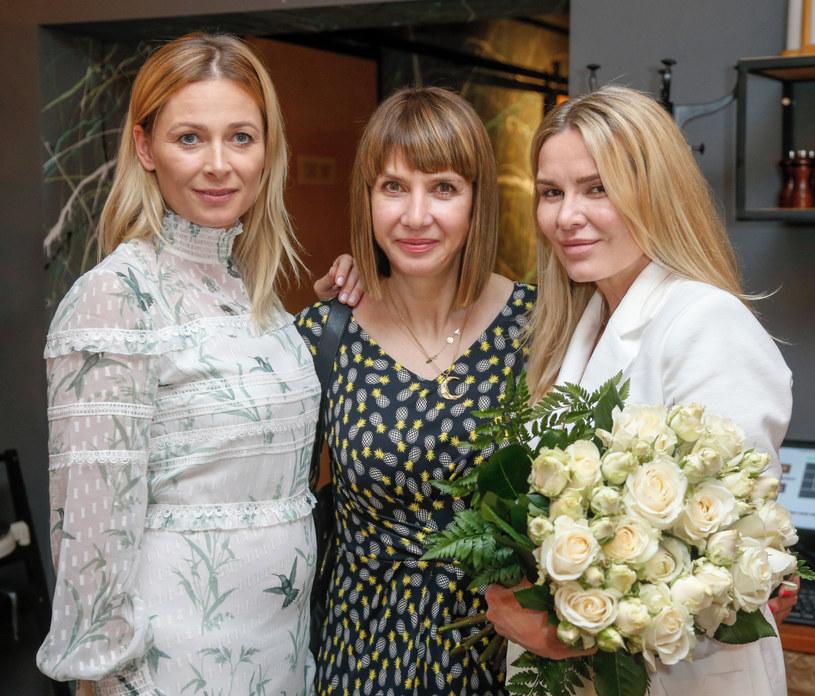 Odeta Moro z koleżankami z show-biznesu /Baranowski /AKPA