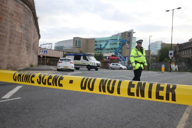Odgrodzony teren po zamachu w Manchester Arenie /PAP/EPA
