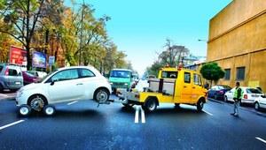 Odholowanie niewłaściwie zaparkowanego samochodu