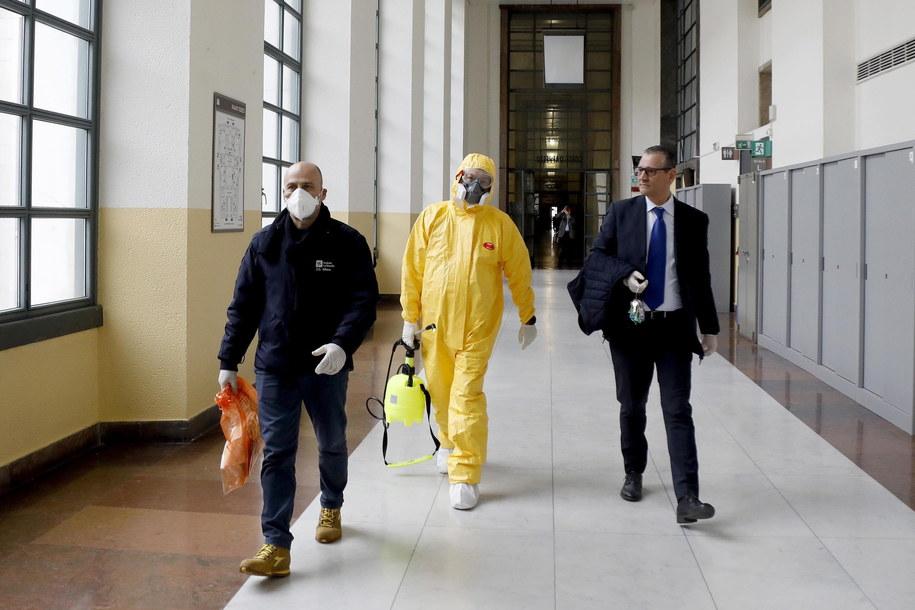 Odkażanie sądu w Mediolanie - zarażonych koronawirusem jest dwóch sędziów /MOURAD BALTI TOUATI /PAP/EPA