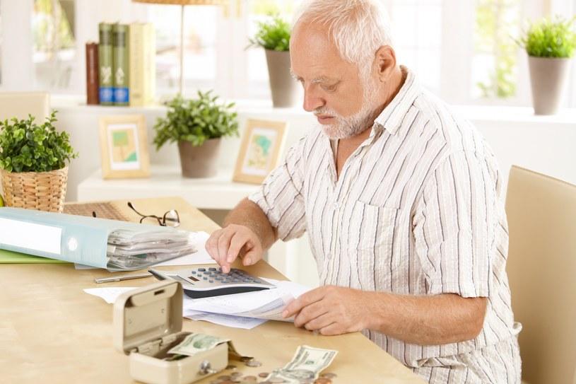 Odkładając na emeryturę zyskujesz dwa razy /© Glowimages