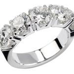 Odkryj moc dodatków – srebrne pierścionki na każdą okazję