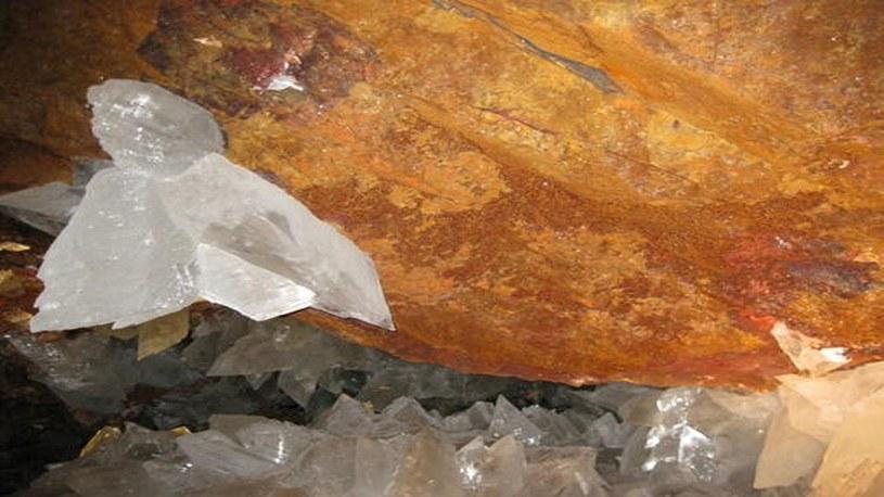 Odkryto życie w kryształach, które liczą sobie ponad 60 tysięcy lat /Geekweek