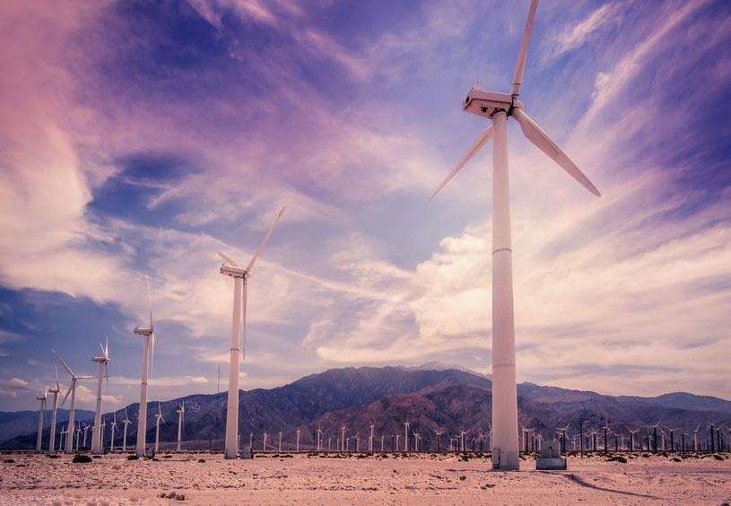 Odnawialne źródła energii coraz popularniejsze w USA /123RF/PICSEL