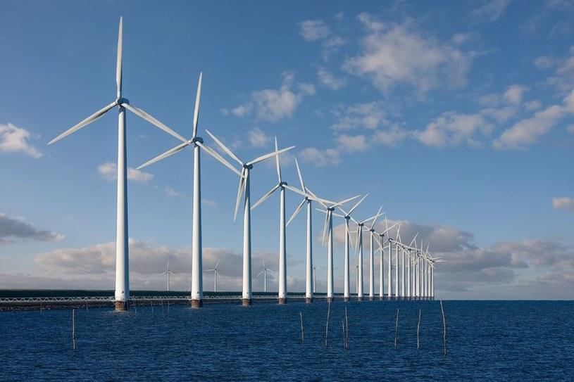 Odnawialne źródła energii zaczynają odgrywać coraz większą rolę w Wielkiej Brytanii /123RF/PICSEL