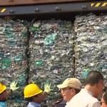 Odpady z Indonezji wracają na Zachód. 547 kontenerów w drodze do USA i Europy