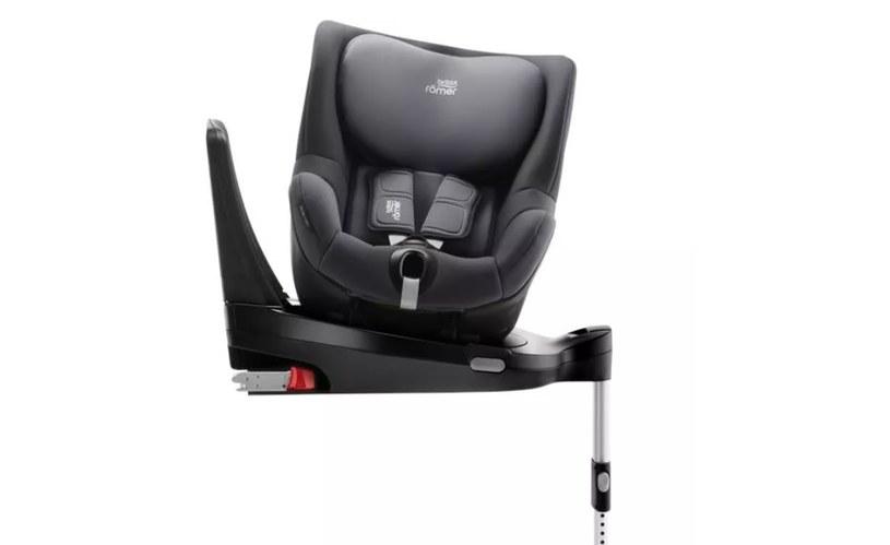 Odpowiedni dobór fotelika jest niezwykle istotny dla bezpieczeństwa niemowlęcia /materiały promocyjne