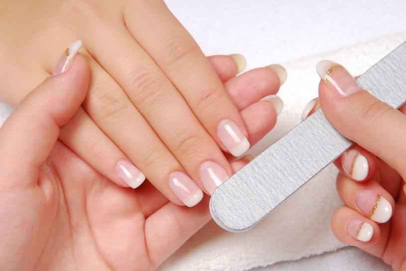 Odpowiednia dieta i pielęgnacja to podstawa zdrowych paznokci /123/RF PICSEL