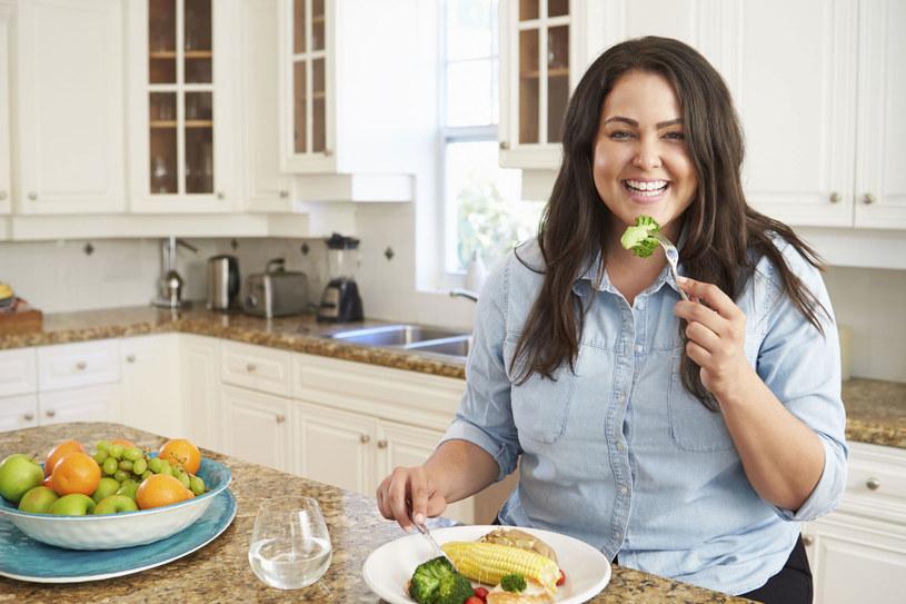 Odpowiednią dietą możemy wzmocnić układ odporonościowy /123RF/PICSEL