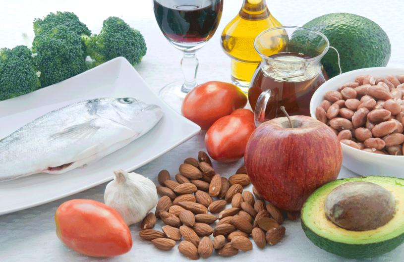 Odpowiednia dieta pomoże zwalczyć cholesterol /123RF/PICSEL