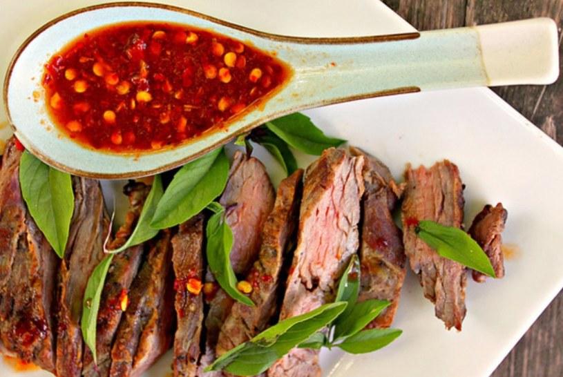 Odpowiednie sosy podkreślą smak każdego mięsa /123RF/PICSEL