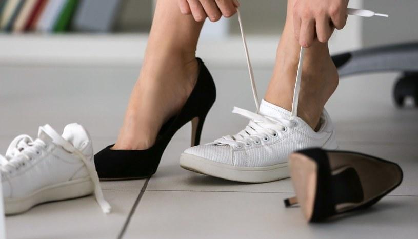 Odpowiednio dobrane buty poprawią optycznie naszą sylwetkę /123RF/PICSEL