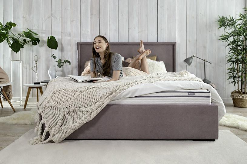 Odpowiednio dobrany materac wraz z poduszką do spania stanowić będą nieprzejednany duet w walce o spokojny, zdrowy sen /materiały promocyjne
