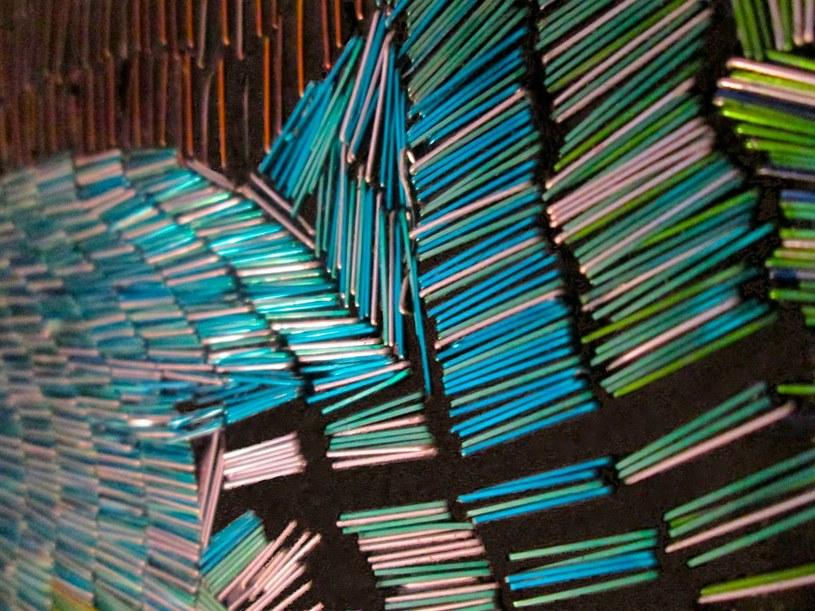 Odpowiednio ułożone zszywki tworzą świetny efekt cieniowania /facebook.com/The-Art-of-James-Haggerty /materiały prasowe