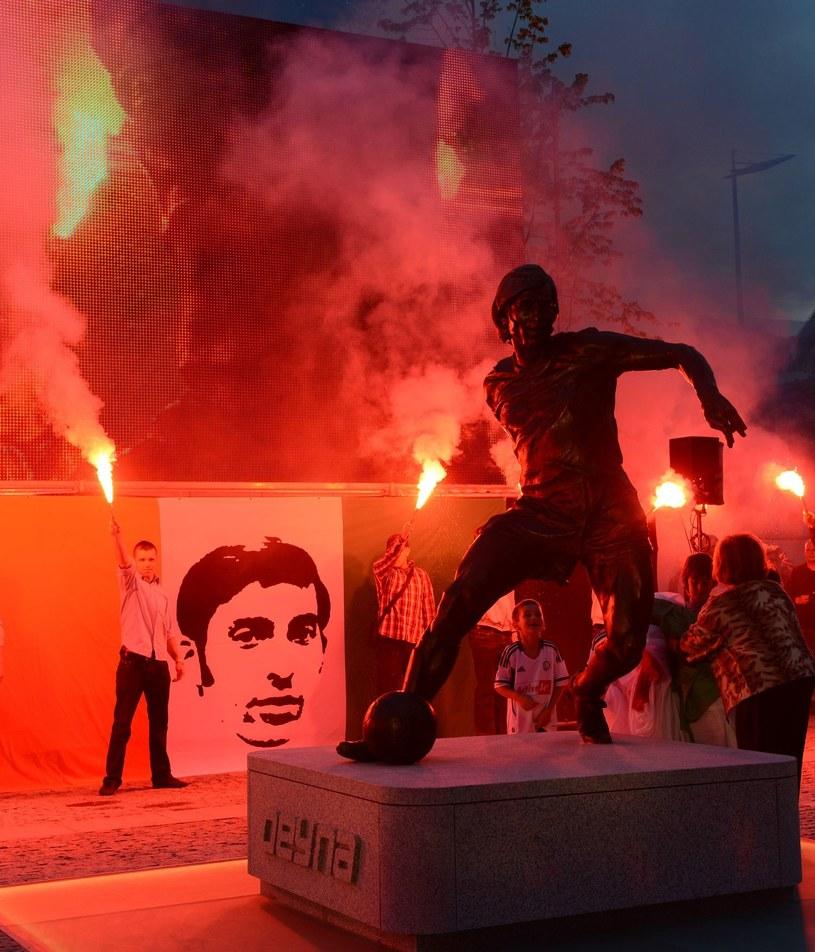 Odsłonięcie pomnika Kazimierza Deyny przed stadionem Legii /AFP