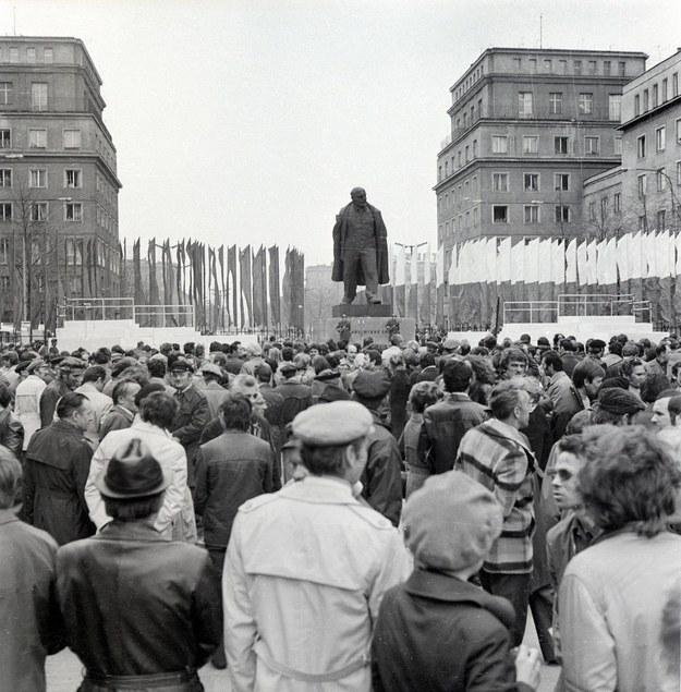 Odsłonięcie pomnika Lenina w Nowej Hucie - 28 kwietnia 1973 r. /Stanisław Gawliński/Fotonova /East News