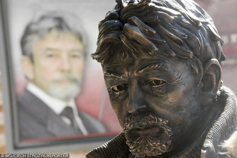 Odsłonięcie pomnika pułkownika Ryszarda Kuklińskiego w Gdyni /Wojciech Stróżyk /Reporter