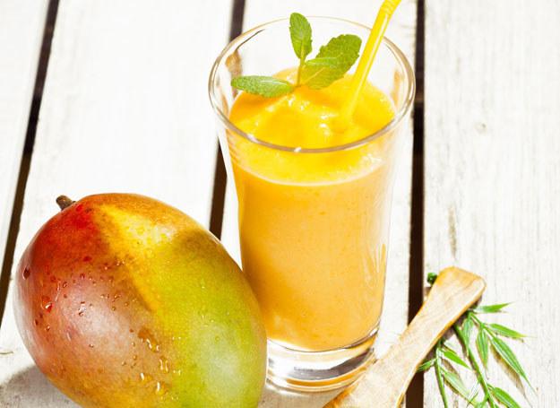 Odświeżający koktajl z mango /123RF/PICSEL