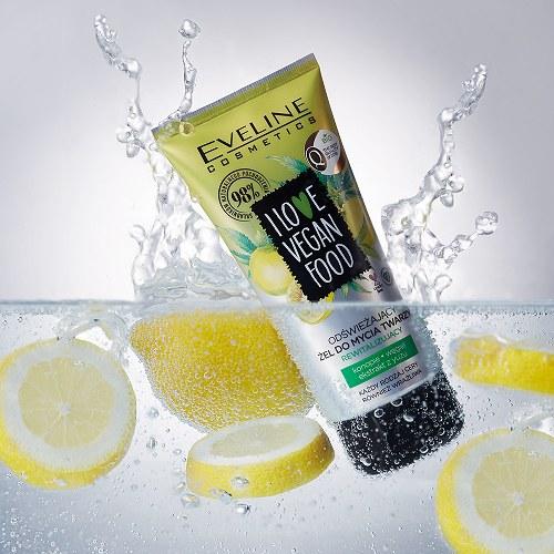 Odświeżający żel do mycia twarzy rewitalizujący I love vegan food od Eveline Cosmetics /INTERIA.PL/materiały prasowe
