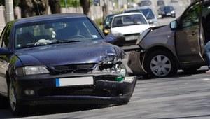 Odszkodowanie a brak prawa jazdy