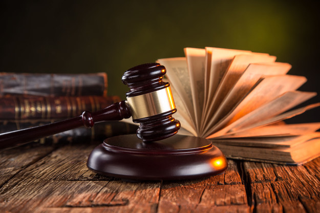 Odważni prawnicy zyskują przewagę dzięki nowym technologiom /123RF/PICSEL